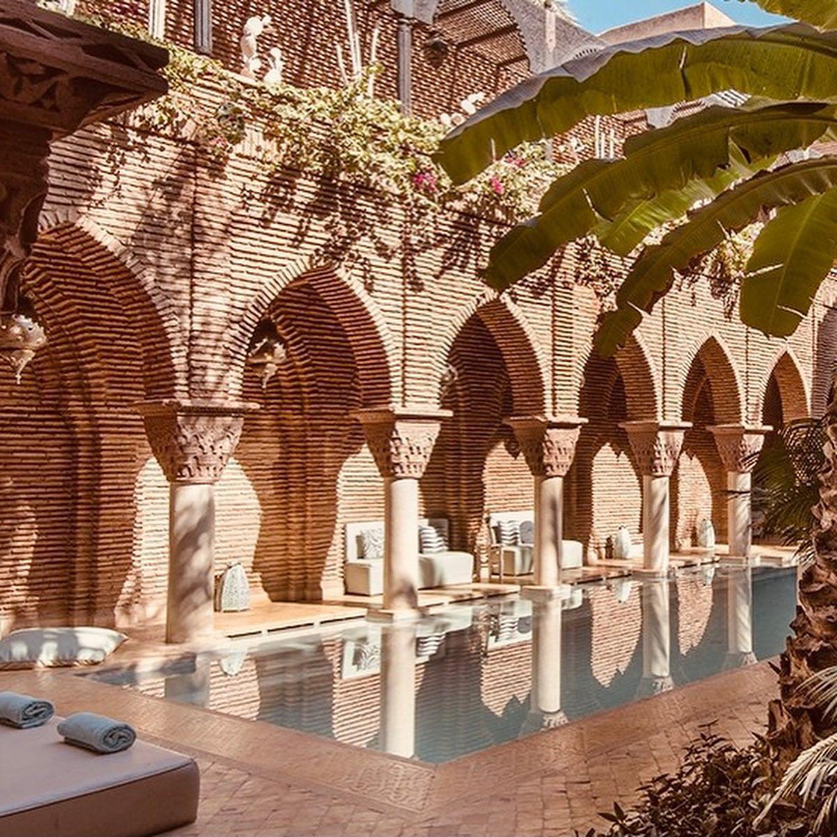 unik hotels and travels