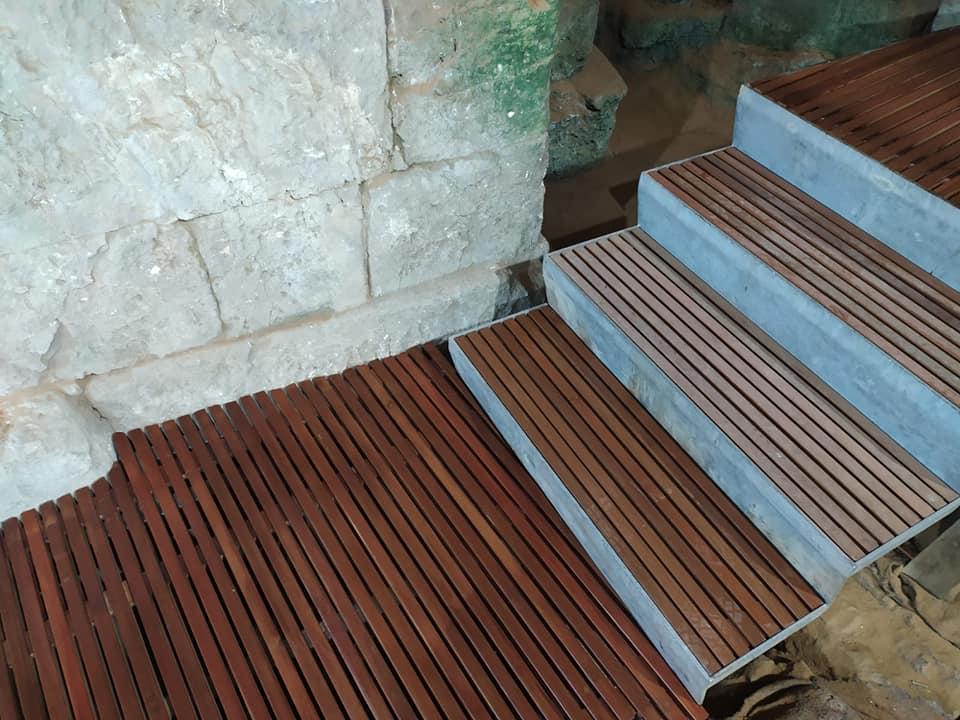 אלון בנייה טבעית דק מדרגות